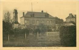 76. N° 33636.la Neuville Champ D Oisel.le Monument Aux Morts - Autres Communes