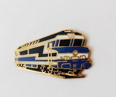 Pin's Train Locomotive Belle Qualité - 18B - Transportation