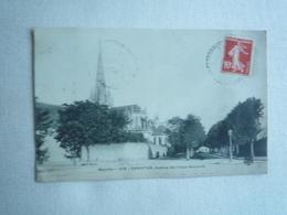 1909 CARENTAN AVENUE DES VIEUX REMPARTS  EDITIONS ?  CIRCULÉE DIVISÉE  ETAT BON - Carentan