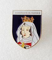 Broche Editions Atlas Marguerite De Provence Histoire Reine Rois De France - Celebrities