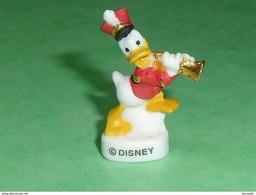 "Fèves / Disney :  Donald , Filet  OR   "" Mat ""  2008    T32 - Disney"