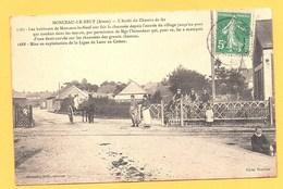 """Carte Postale En Noir & Blanc """" L' Arrêt Du Chemin De Fer """" à MONCEAU-LE-NEUF - France"""