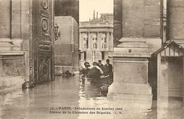 Cpa Paris Innondations 1910 Entrée De La Chambre Des Députés - Alluvioni Del 1910