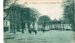VILVORDE   La Grand Place Et L' Hôtel De Ville - Vilvoorde