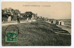 14 LA BRECHE D'HERMANVILLE Animation La Promenade Villas Cabines Bains Plage  1910    /D24-2018 - Autres Communes