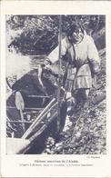 CARTE PUB  -  PECHEUR ESQUIMAU DE L'  ALASKA  -  LIBRAIRIE LAROUSSE - Postcards