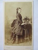 Photographie Ancienne CDV - Belle Jeune Femme - Robe -  Epoque Napoléon III -  Photographie  Pedroni, Bordeaux. TBE - Photographs