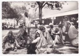 1965 Bangkok - 3e Conseil Mondial De La JOC (groupe De Laotiennes Assises Au Sol - Circulé 1965, Sous Enveloppe - Laos