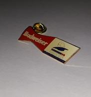 Pin's Bière Budweiser / World Cup Football France 98 (époxy) Longueur: 4,3 Cm - Football