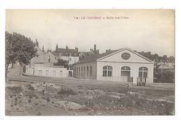 LE CREUSOT  (cpa 71)  Salle Des Fêtes -  L 1 - Le Creusot