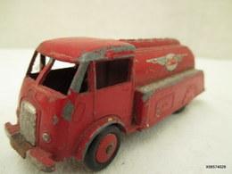 Voiture Miniature 1/43 Em   DINKY TOYS CAMION CITERNE ESSO  Peinture Rouge - Jouets Anciens