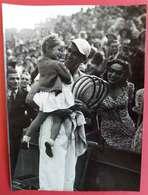 1955-1965 Tennis Champion Yvon PETRA Bat L'Anglais Barton Félécité Par Sa Petite Fille éditeur Photo France 18x13cms - Sports
