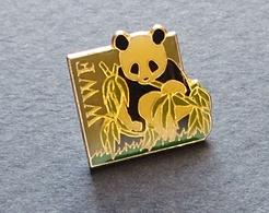 PIN'S ASSOCIATION WWF OURS PANDA - Badges