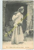Femme Arabe Portant Son Enfant . - Postcards