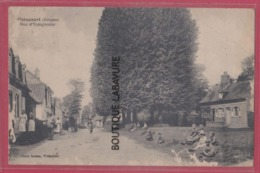 80 - WOINCOURT---Rue D' Yzegrenier----animé - Francia