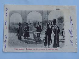 C.P.A. : IRAN : Types Persans : Condamné Puni Des Verges Sur La Plante Des Pieds, En 1907 - Iran