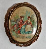 Belle Broche élégante Ancienne Ovale Scène Galante - Brooches