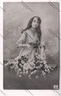 Lot 5 Cartes Photos Fantaisistes - Bonnes Fêtes, Voeux, Amitiés : Femmes élégantes Et Jeune Fille - Fêtes - Voeux