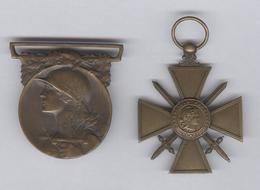 Lot De 2 Médailles -  Commémorative De La Grande Guerre 1914-1918 Et Croix De Guerre 1914-1915 - Sans Rubans - France