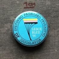 Badge Pin ZN007322 - Parachuting (Fallschirmspringen) Yugoslavia Slovenia Lesce Bled World Championships 1990 - Paracaidismo