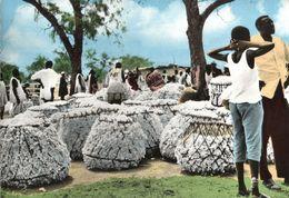 CARTE POSTALE D'AFRIQUE - MARCHE DE COTON EN BROUSSE - Postcards