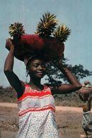 CARTE POSTALE D'AFRIQUE - MARCHANDE D'ANANAS - L'AFRIQUE EN COULEUR - Postcards