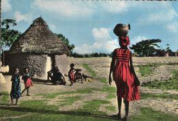 CARTE POSTALE D'AFRIQUE - PORTAGE - AFRICOLOR - Postcards