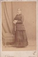 MUJER DE EPOCA FEMME D'EPOQUE VINTAGE WOMAN. J GUTIERREZ MADRID. PHOTO ORIGINAL SIZE 16x10cm CIRCA 1880s- BLEUP - Anonymous Persons