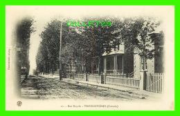 TROIS-RIVIÈRES, QUÉBEC - RUE ROYALE - PINSONNEAULT, PHOTOG. - CIRCULÉE EN 1912 - - Trois-Rivières