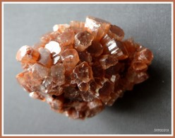 ARAGONITE -  104 G - Minéraux