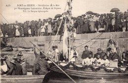 S832  -  Cpa 14 Port En Bessin -  Bénédiction De La Mer Par Monseigneur Lemonnier .... - Port-en-Bessin-Huppain