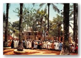 OUEST CAMEROUN FOUMBAN Notables Bamoun Devant L Ancien Palais Du Sultan NJOYA  47 (scan Recto-verso) FRCR90905 - Camerun