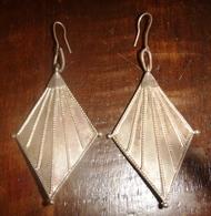 Vintage Pair Of Ethnic Silver Earrings From Sri Lanka, 6 Cm X 3.5 Cm - Ethnics