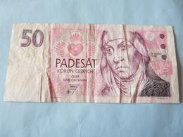 A  Vendre 1 Billet Tchèque  Utilisé   De 50 Padesat .Petit Prix De Départ - Tchéquie