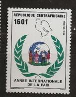 Centrafrique 1986 N° 743 ** Paix, Colombe, Laurier, Enfants, Ronde, Mappemonde, Racisme, Indien, Africaine, Asiatique - Central African Republic