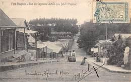 Afrique. Madagascar:   Fort Dauphin  Rue Du Capitaine Astoin   ( Voir Scan) - Madagascar