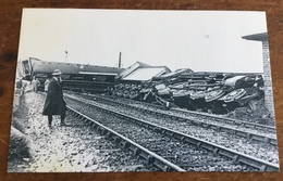 The Flying Scotsman Derailed, May 1926, The Nostalgia Postcard Collectors Club, Yesterday's Britain 1890's-1950's - Treinen