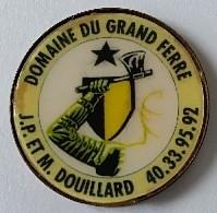 Jeton De Caddie - DOMAINE DU GRAND FERRE - J.P Et M. DOUILLARD - En Métal - Neuf - - Trolley Token/Shopping Trolley Chip