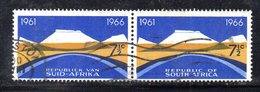 T1822 - SUD AFRICA SOUTH 1966,   Yvert La Coppia N. 301+305  Usato . - Sud Africa (1961-...)