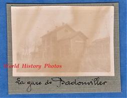 Photo Ancienne D'un Poilu - BADONVILLER ( Vosges ) - La Gare - 1916 1917 Ww1 Chemin De Fer De L'Est Voie Ferrée - Guerre, Militaire