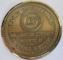 HALLIBURTON COMPANY, PRESIDENT DAVE LESAR, ORGINAL MEDAL FOR EXCELLENCE, METAL, DIAMETER 5,1 Cm, 41,4g - Firma's