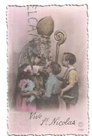 Le Grand Saint Nicolas, Mitre, Et Crosse Entouré D'enfants, Peluches éléphant Bleu, Vache - Saint-Nicolas