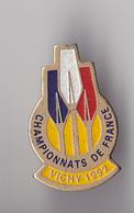 PIN'S THEME SPORT AVIRON CHAMPIONNAT DE FRANCE  1992 A VICHY DANS L'ALLIER - Roeisport
