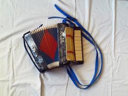 MINI-ACCORDEON . - . HERO. POUR ENFANT. FONCTIONNE A MERVEILLE - Instrumentos De Música