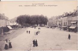 CPA - 996. ST CERE Place De La République - Saint-Céré
