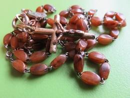 221 - Chapelet Perles Bakélite - Croix Laiton - Christ Cuivre - Médaille AP Ou AD - Religione & Esoterismo