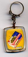 """{09900} Porte-clef """" Végétaline """"      """" En Baisse """" - Key-rings"""