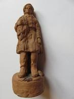 223 Statuette En Terre Cuite Naturelle - Pêcheur Au Filet - Signée A Harle - Sculptures