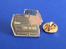 Pin's IBM - 4680 Caisse - Bouquet De Roses - Ordinateur Informatique (YH54) - Computers