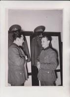 RAD VORBILDLICH FUR RUMANIEN  RAD MANNES  FOTO DE PRESSE Brian L Davis Archive - War, Military